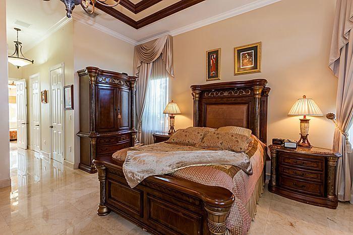 Travertino Marble Slab In Bedroom
